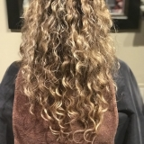 Natural Curl with Highlights